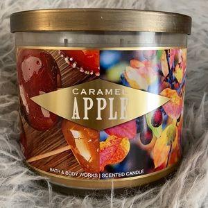 Caramel Apple Bath & Body Works 3wick candle